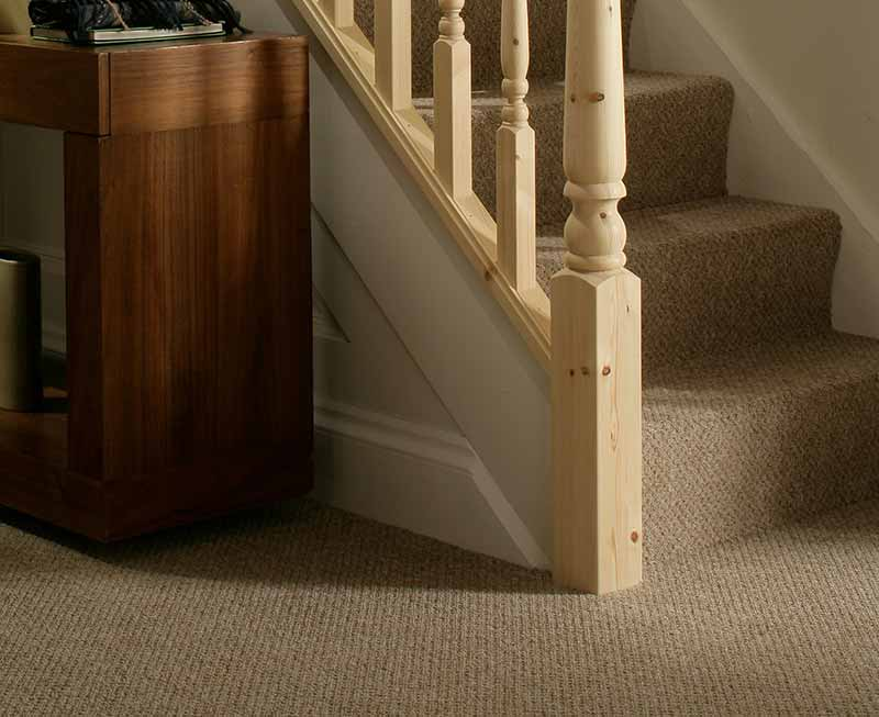 Supportive image to help with the Pine 615mm Half Newel Base