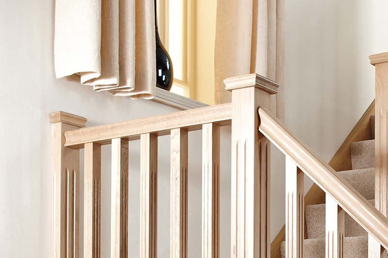 Supportive image to help with the Oak Pyramid Newel Cap Half 43 x 58 x 125